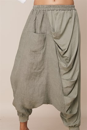 19173 DRAPED BAGGY TROUSERS WITH SINGLE POCKET